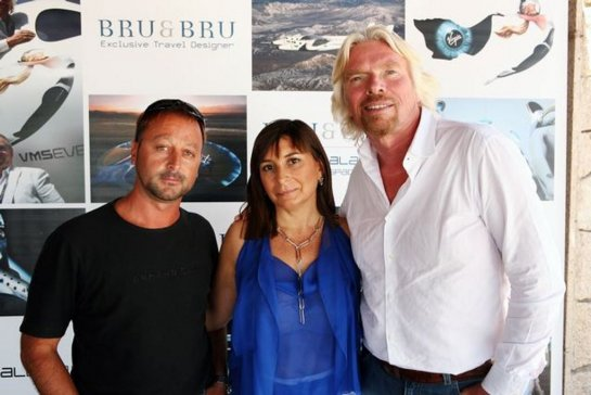 Con Ana Bru y Sir Richard Branson.